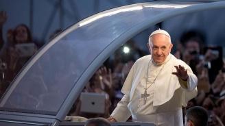 Папа Франциск: Трябват бързи и решителни действия, за да не умират повече мигранти в морето