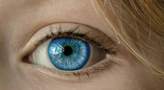 Изобретиха роботизирани лещи за очи, увеличаващи това, което виждате