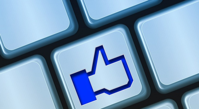 """Интернет страници, които поставят бутона """"Харесвам"""" на """"Фейсбук"""", носят съдебна"""
