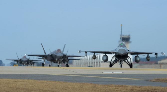 Законът за ратифициране на договорите за придобиване на изтребители F-16