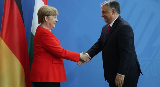 Германската канцлерка Ангела Меркел ще посети Унгария следващия месец, за