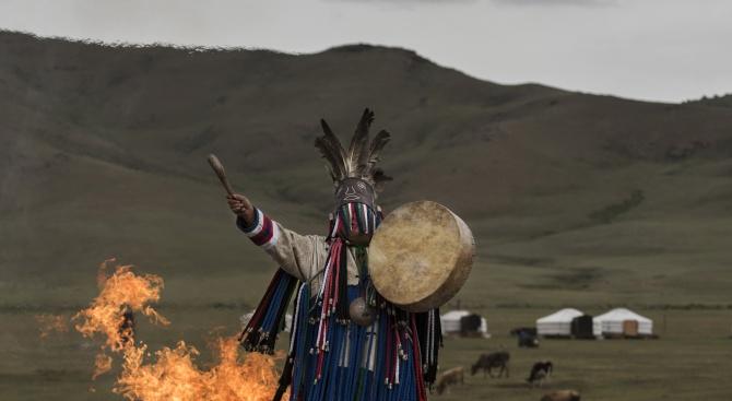 С шамански ритуали жители на Сибир се молеха за дъжд,