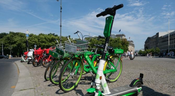 200 места за безплатно паркиране на колела, тротинетки, мотопеди и