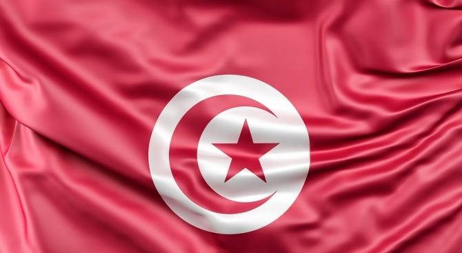 В Тунис пак продължиха извънредното положение заради опасността от ислямистки атаки