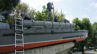 Ремонтират катер-музей във Варна