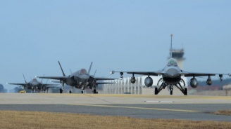 Обнародваха договорите за изтребителите F-16