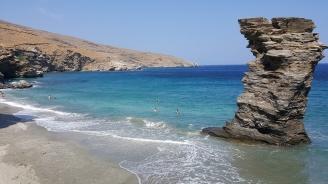 """Водолази откриха """"риф от пластмасови корали"""" в гръцката част на Егейско море"""