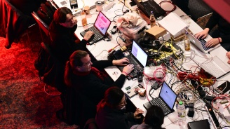 Русия: Лепенка пази компютъра от хакери