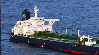Иран задържа чуждестранен танкер в Персийския залив, пренасящ контрабандно гориво за арабски страни