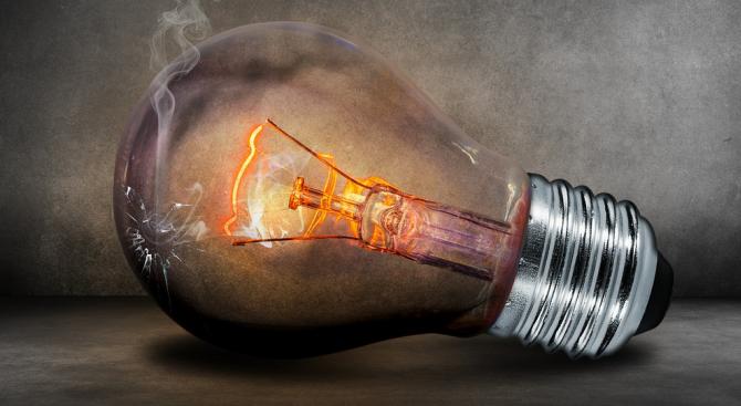 Жители на бургаски квартал пропищяха от редовно спиране на тока