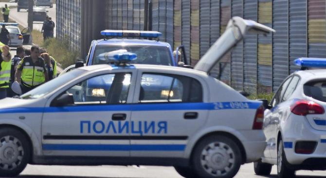 Снимка: Млада жена блъсна с колата си дядо