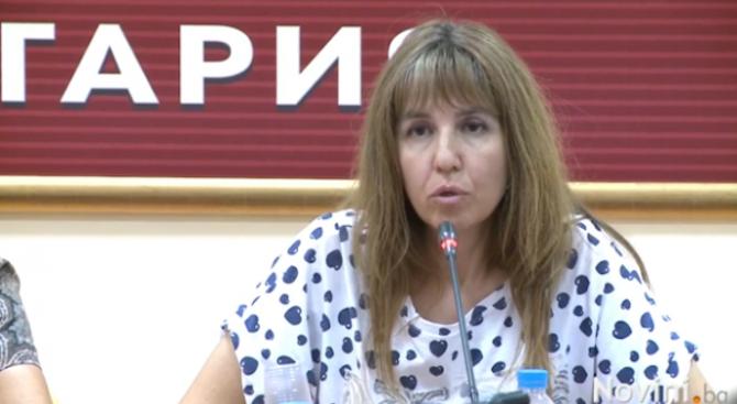 Медицинските сестри излизат на протести в подкрепа на уволнената си колежка Мая Илиева