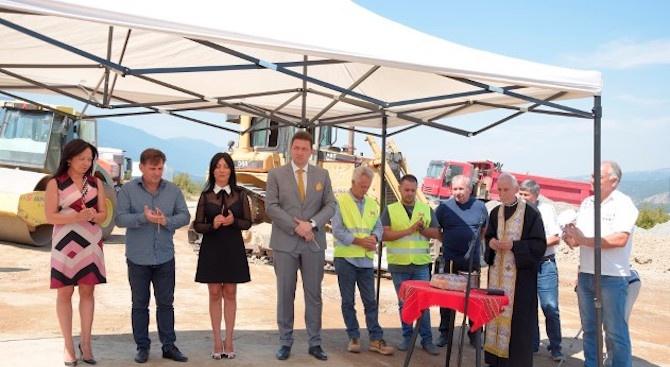 Започва асфалтиране на участъци от общинската пътна мрежа в Петрич