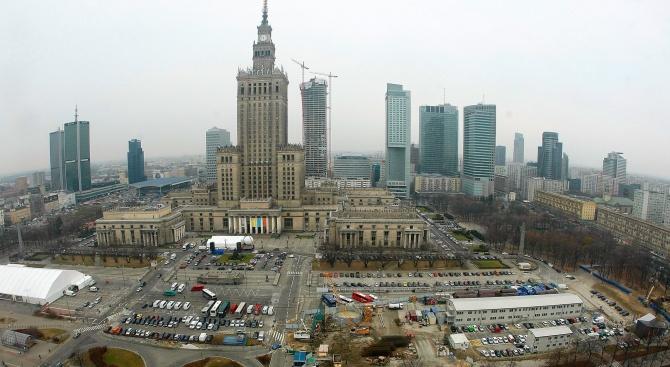 Председателят на полския парламент Марек Кухчински обяви, че подава оставка