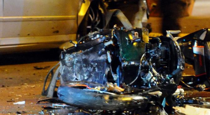 Мотоциклетист е с опасност за живота след катастрофа на пътя
