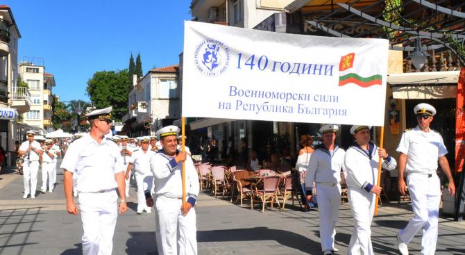 Министърът на отбраната Красимир Каракачанов и началникът на отбраната генерал