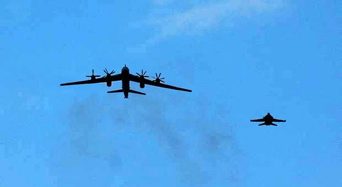 Руски бомбардировачи прелетяха над Аляска, САЩ и Канада реагираха