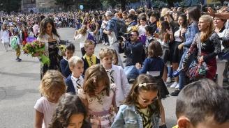 Държавата ще отпусне финансови стимули за учителите в малките населени места