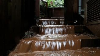 Проливни дъждове предизвикаха кални свлачища в Северна Италия