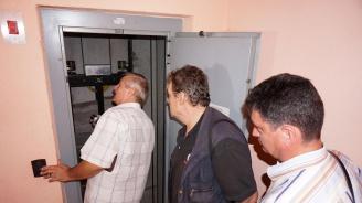 Отново започва обучение на ученици за асансьорни техници