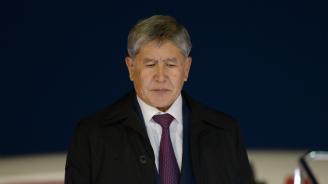 Атамбаев ще остане в ареста до 26 август, съобщи адвокатът му