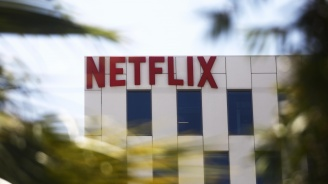 """Създателите на сериала """"Игра на тронове"""" сключиха договор с Нетфликс"""