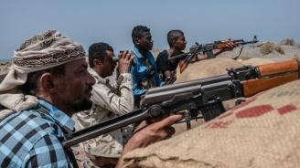 Сражения между бивши съюзници в йеменската проправителствена военна коалиция избухнаха в Аден