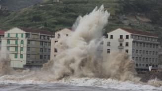 Расте броят на жертвите на тайфуна Лекима в Китай