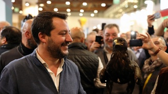 Партиите в Италия търсят изход от кризата в страната