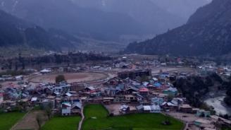 Индия въвежда отново ограничителни мерки в Кашмир