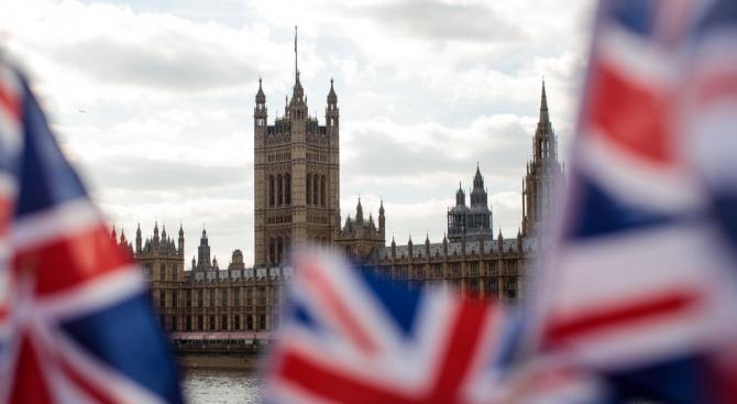 Британският министър-председател Борис Джонсън започна спешен преглед на механизмите за