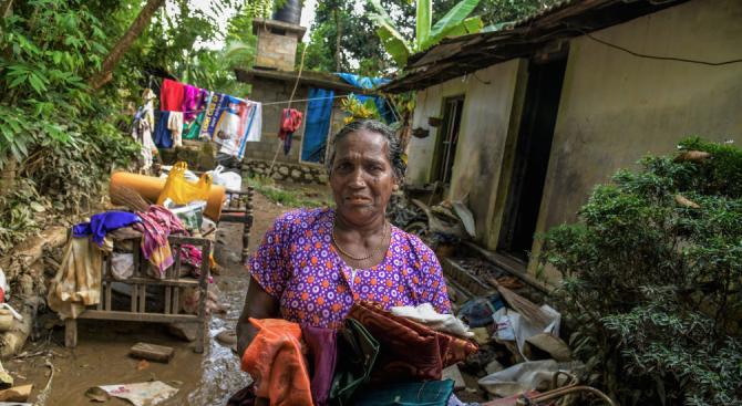 Броят на жертвите на мусонните дъждове в Индия достигна 190 души
