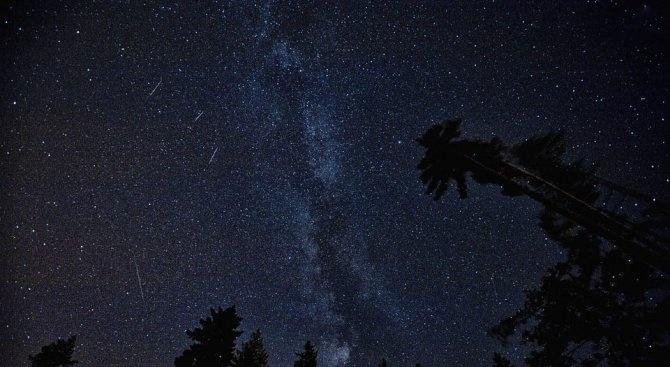 """Пикът на Персеидите: Между 60 и 80 """"падащи звезди"""" на час"""