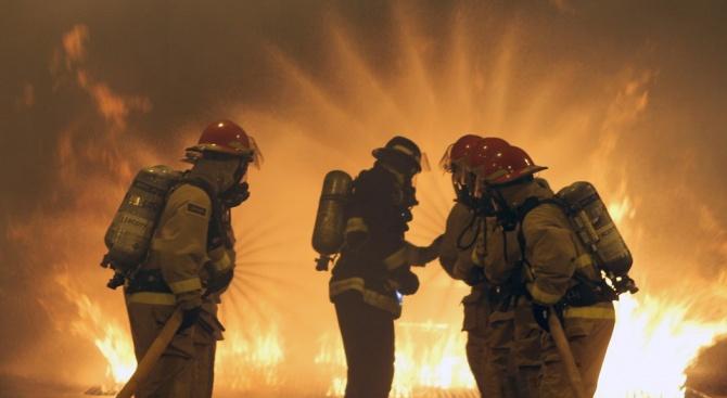 Сливенски пожарникари спасиха три тона пелети