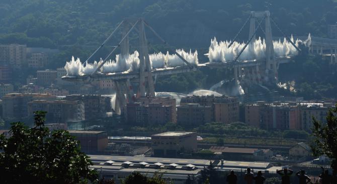 """Разследването ще покаже дали това, че мостът """"Моранди"""" в Генуа"""