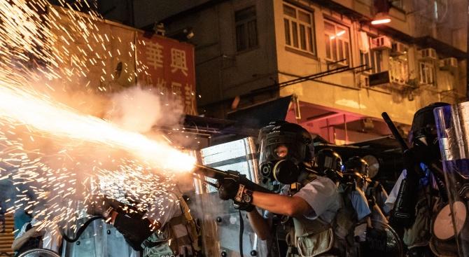 Китайски сили - очевидно военна полиция, бяха събрани днес на