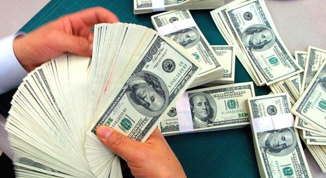 С общо 18 милиарда долара са обеднели десетте най-богати хора