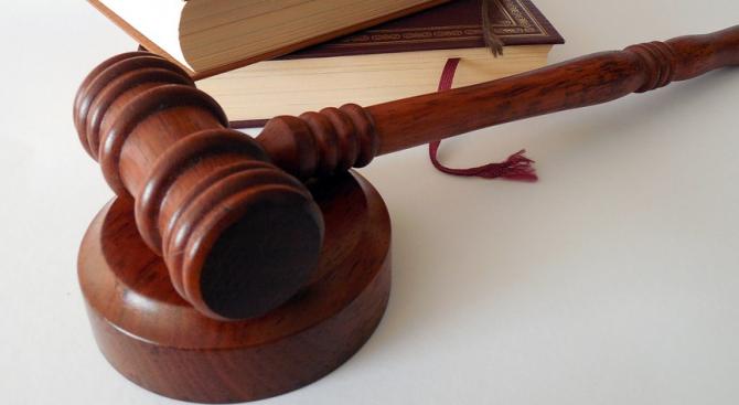 Рецидивист се изправя пред правосъдието в Перник за поредица от кражби