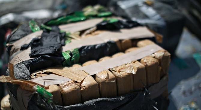 Открито е голямо количество кокаин в склад в Бургас. От