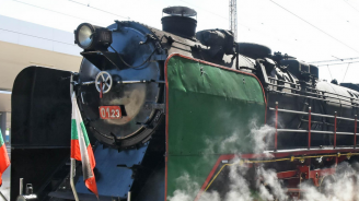 "Пожар горя в локомотив по жп линията ""Белово – Костенец"""