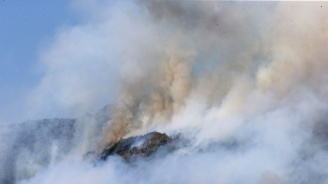 Повече от 200 пожара продължават да горят в Сибир