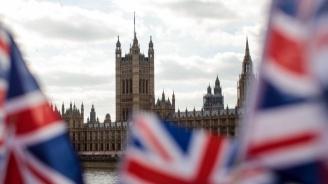 Всеки пети британец се запасява със стоки в очакване на Брекзит без сделка