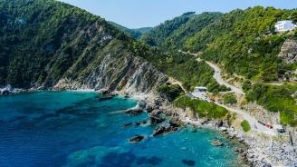 Външно: Няма пряка опасност за българските туристи, блокирани на о. Самотраки