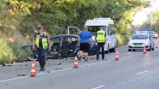 Румънка заспа зад волана и причини катастрофа на пътя Русе - Бяла