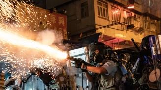 Китай струпа сили до Хонконг