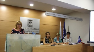 Експерти от МОСВ представиха ползите от нова система за събиране на опасни отпадъци от бита, която се изгражда край Созопол