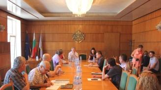 Партиите и коалициите уточниха състава на Общинската избирателна комисия в Плевен