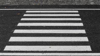 Блъснаха мъж на пешеходна пътека
