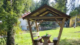 Нови беседки за отдих са поставени в Благоевград