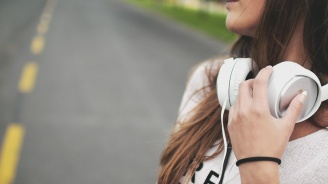 Почти половината от българите харесват попфолка, сочи проучване